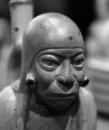 Huaco Retrato de hombre sentado.