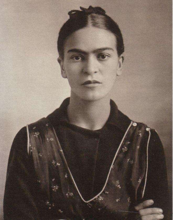 1932_frida_kahlo_oct_16_detail